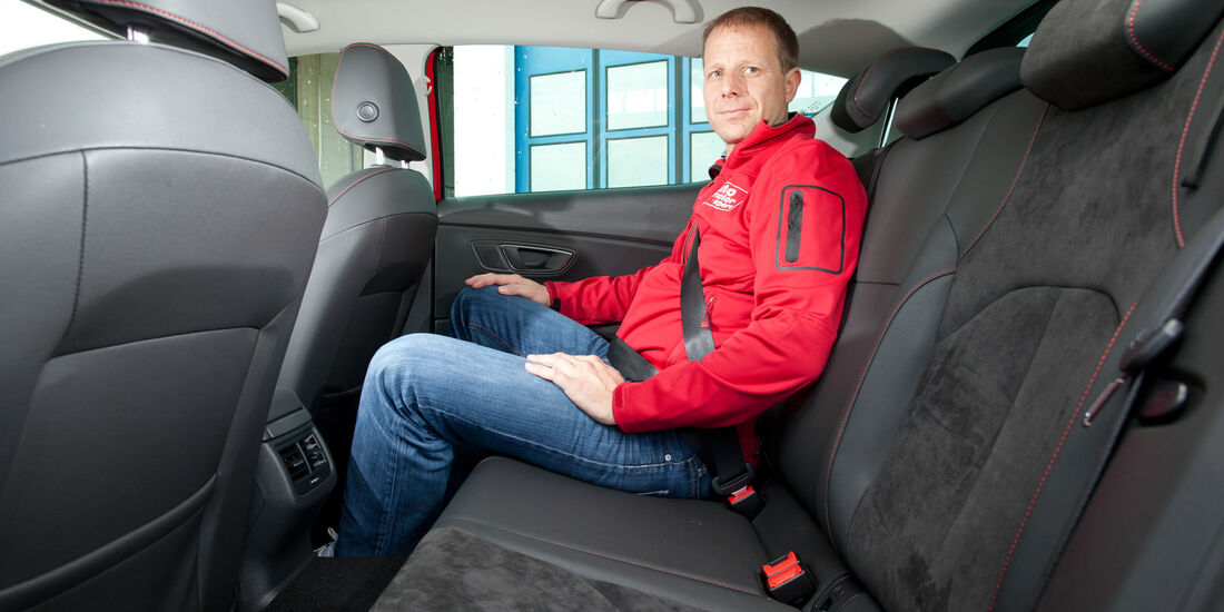 Seat Leon 1.4 TSI, Rücksitz, Beinfreihiet