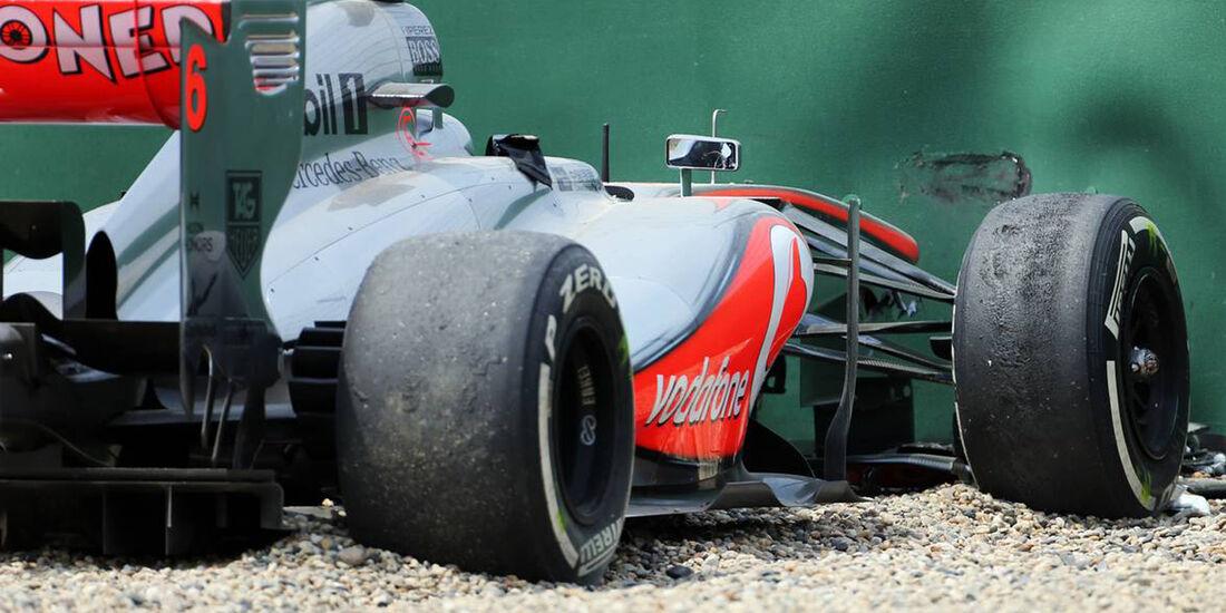 Sergio Perez Crash - Formel 1 - GP China - 12. April 2016