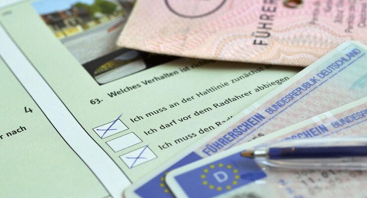 Internationaler Führerschein  Außerhalb Europas meist verbindlich ... b62fc78b5f9