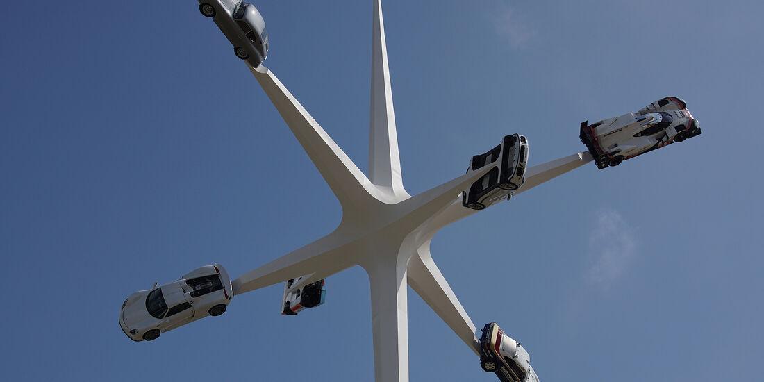 Skulptur 70 Jahre Porsche