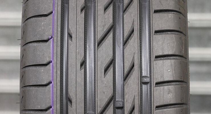 sommerreifen test im format 225 40 r18 reifentest ergebnis nokian z line seite 6 auto motor. Black Bedroom Furniture Sets. Home Design Ideas