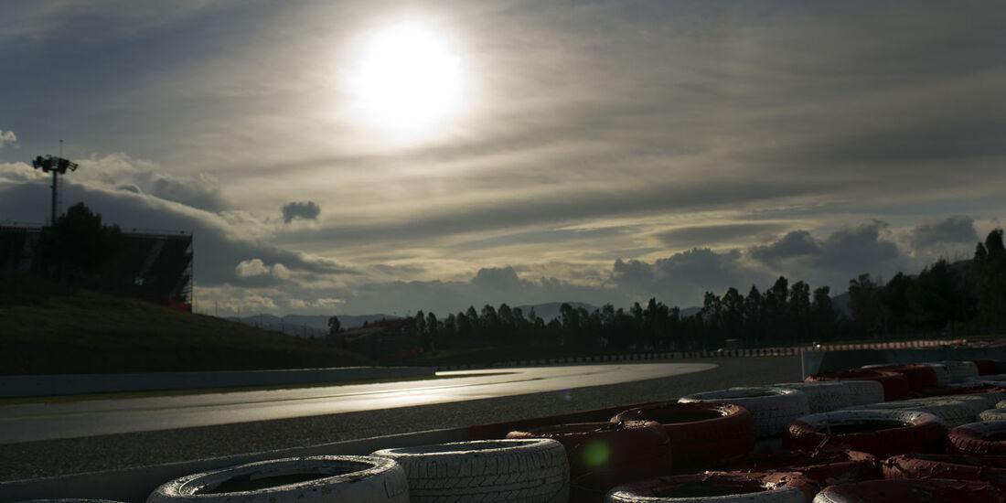 Sonnenaufgang, Formel 1-Test, Barcelona, 28. Februar 2013