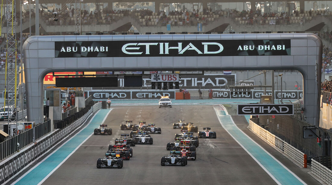 Start - Formel 1 - GP Abu Dhabi 2016