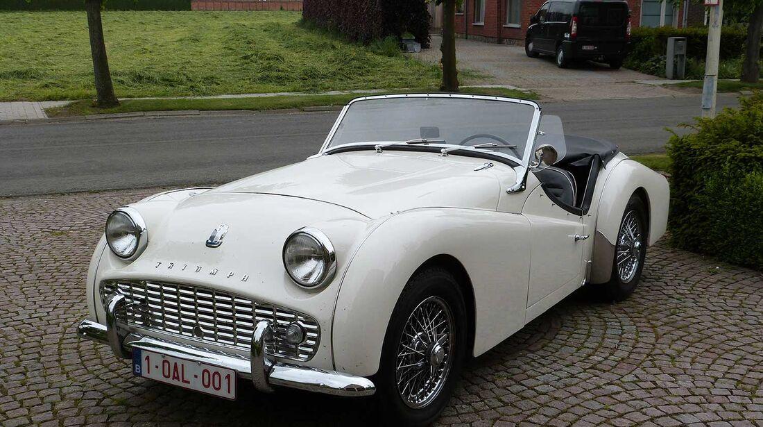 Startnummer 89: Dr. Frans Ponet im Triumph TR 3, 2 Liter, 4-Zyl. Reihe, 100 PS, Baujahr 1960.