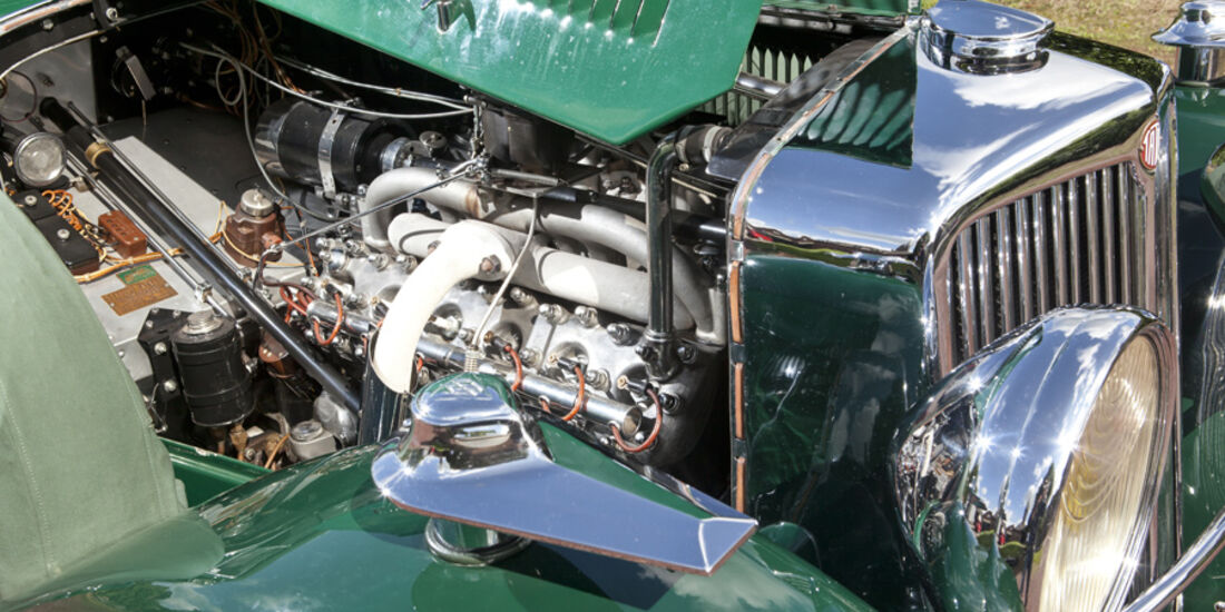 Tatra T80, Motor, V12-Motor, Motorhaube