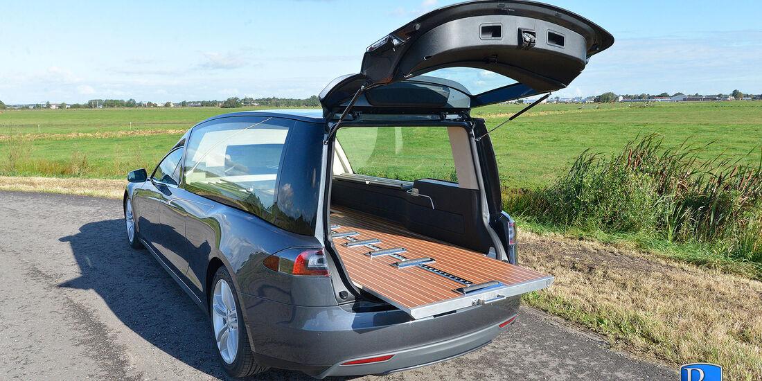 Tesla Model S Leichenwagen