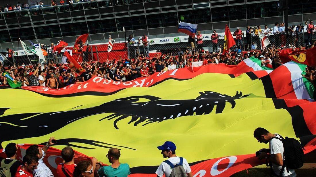 Tifosi Fans  - Formel 1 - GP Italien - 09. September 2012