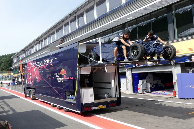 https://imgr2.auto-motor-und-sport.de/Toro-Rosso-GP-Belgien-Spa-Francorchamps-Formel-1-23-August-2017-fotoshowBig-e434b4de-1112947.jpg