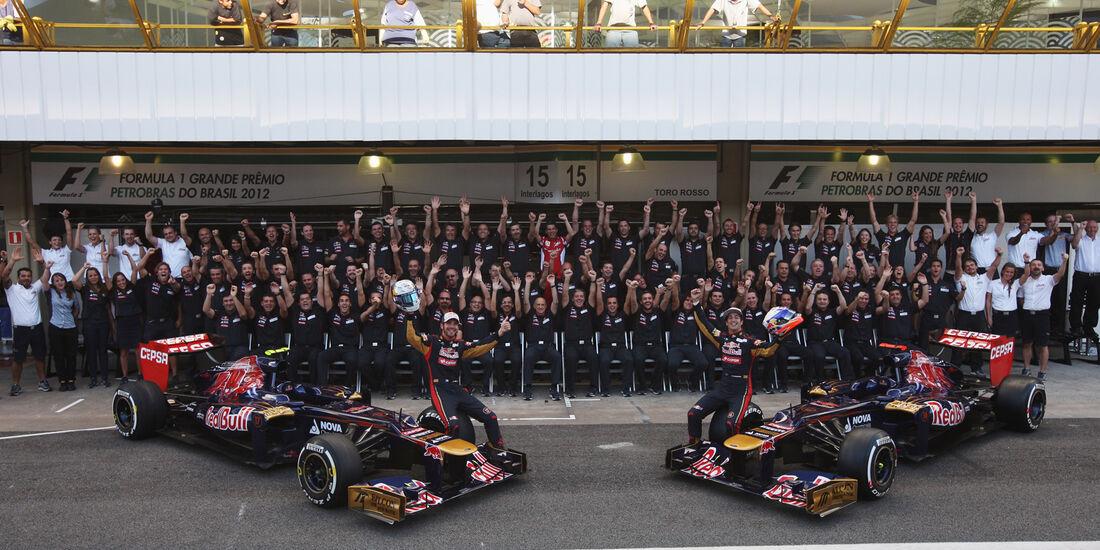 Toro Rosso Teamfoto 2012