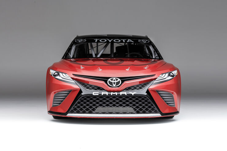 toyota camry nascar 2017er modell enth llt auto motor. Black Bedroom Furniture Sets. Home Design Ideas