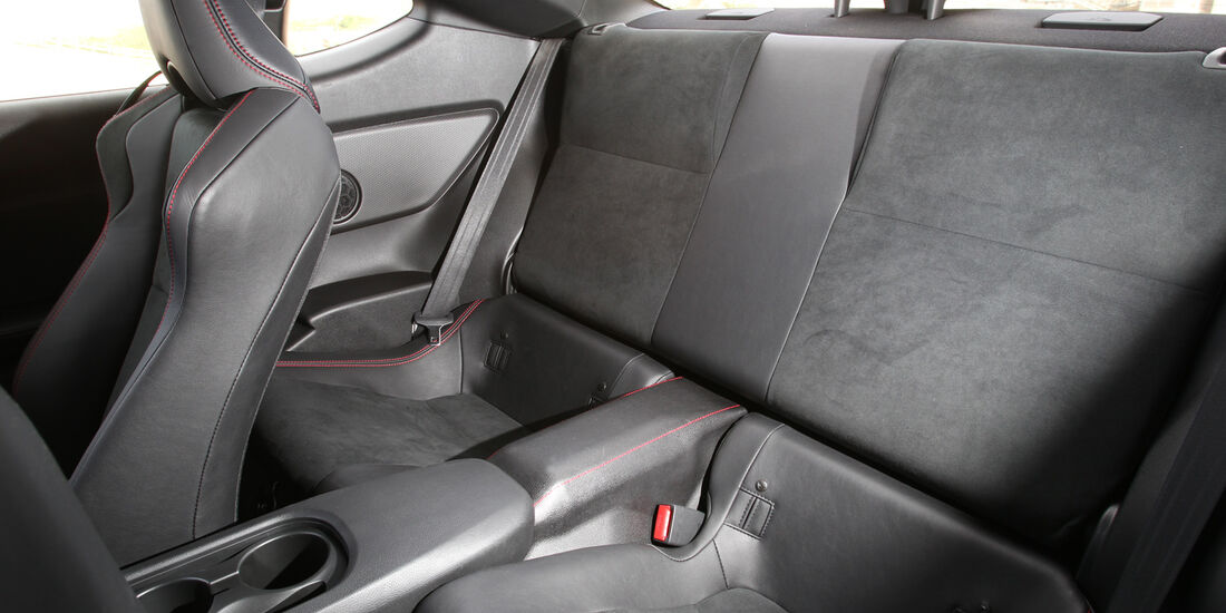 Toyota GT 86, Rückbank, Getränkehalter
