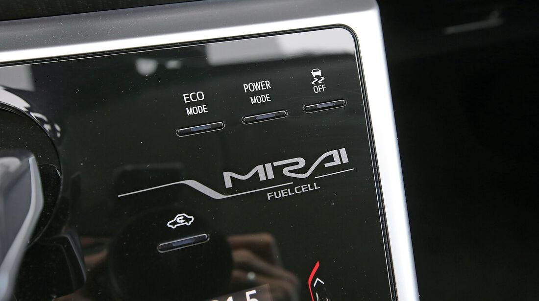 Toyota Mirai, Anzeigeinstrumente