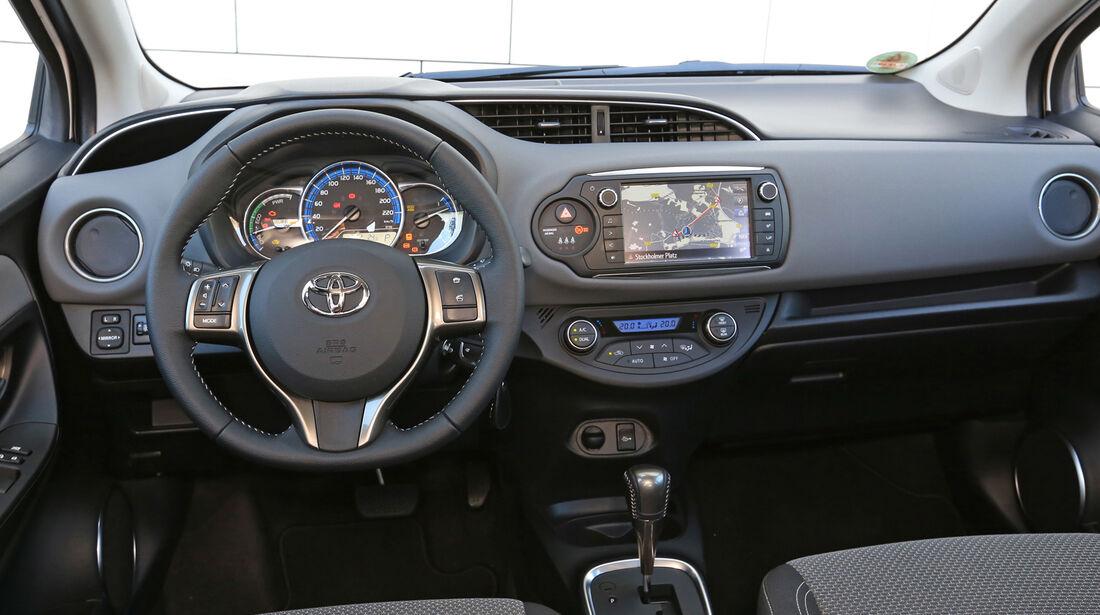 Toyota Yaris 1.5 Hybrid Comfort, Cockpit