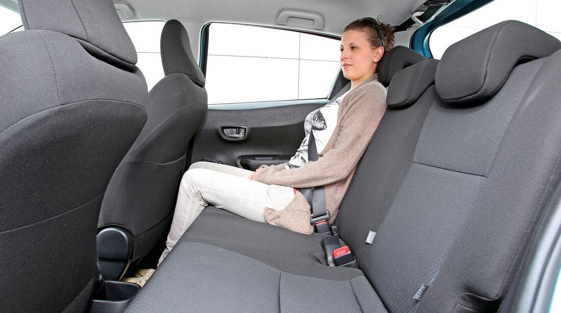 Toyota Yaris, Rücksitz, Beinfreiheit