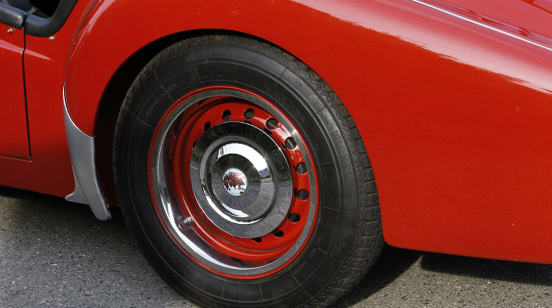 Triumph TR 3, Rad, Radkappen, Detail