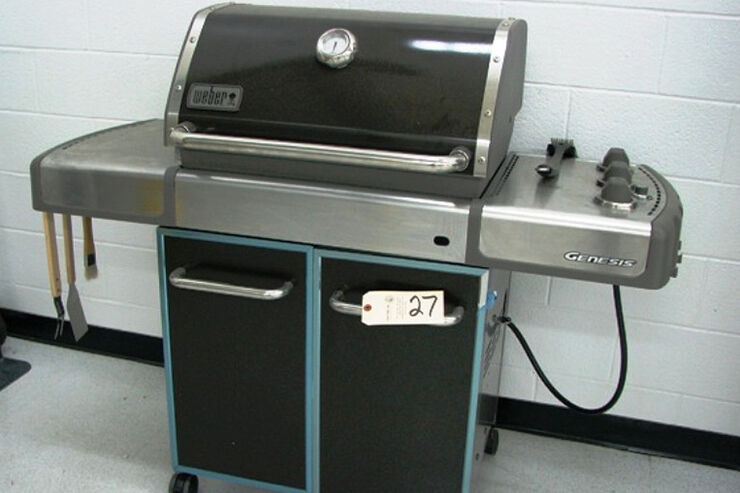 USF1 Auktion Weber Grill