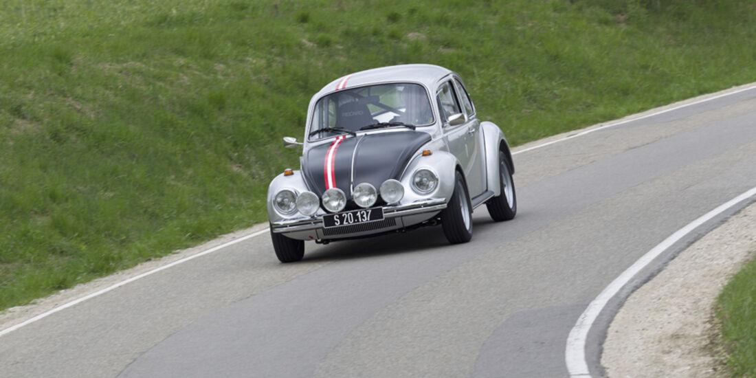 VW 1303 Rallye, Frontansicht, Landstraße, Kurvenfahrt