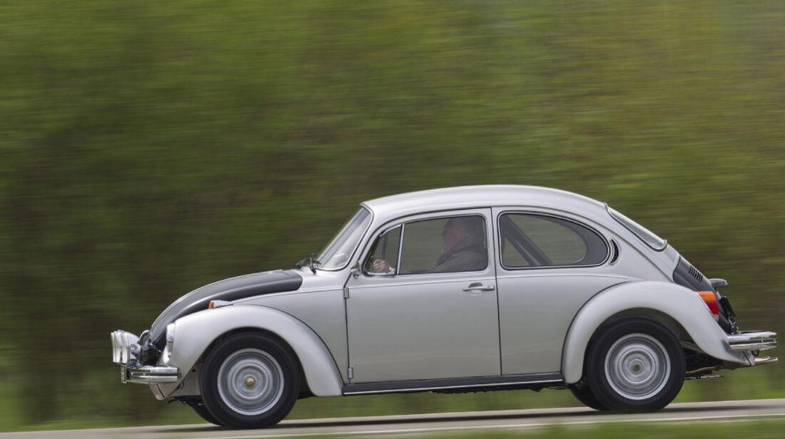 VW 1303 Rallye, Seitenansicht, Landstraße