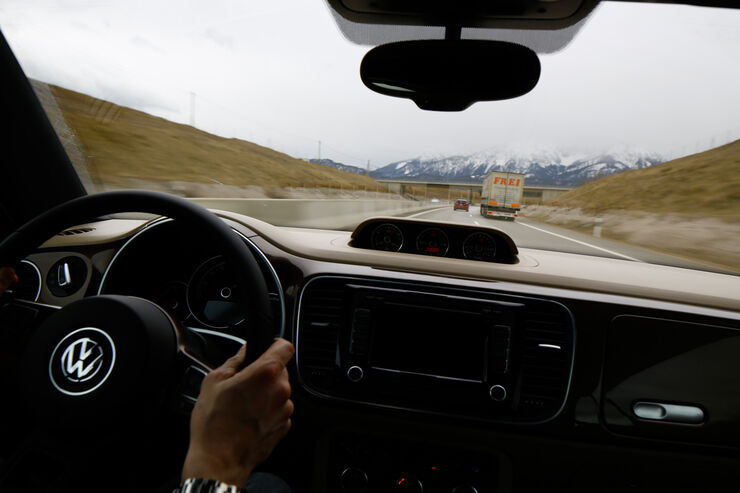 VW Beetle Cabrio 2.0 TDI, Fahrersicht