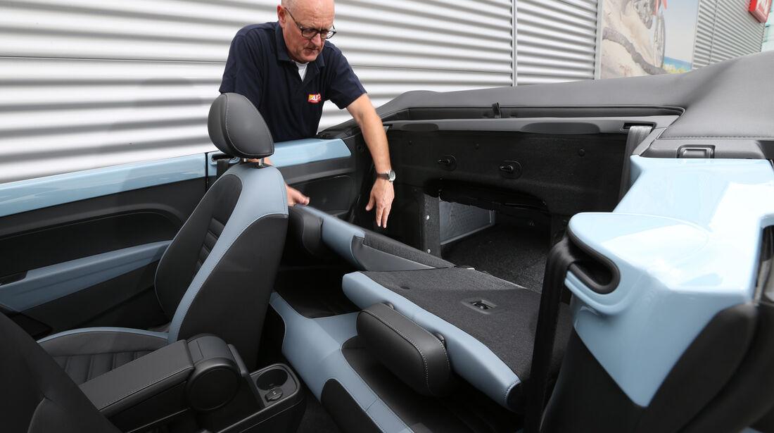VW Beetle Cabriolet 1.4 TSI Sport, Rücksitz, Umklappen