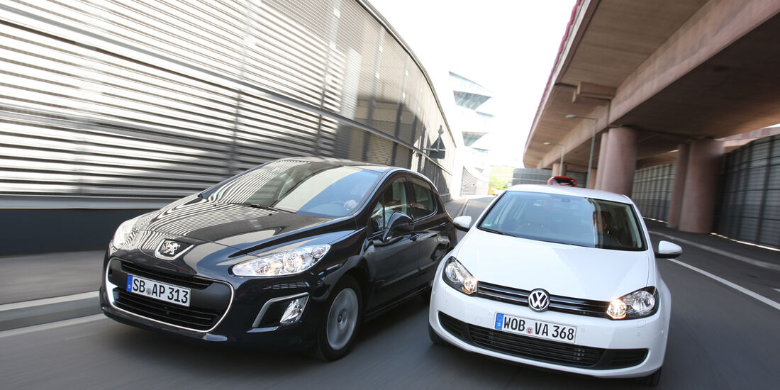 VW Golf 1.2 TSI Comfortline, Peugeot 308 98 VTi Access, Frontansicht