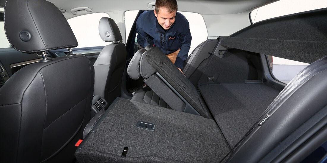 VW Golf 1.6 Blue TDI, Sitze, Umklappen