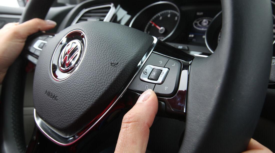 VW Golf, Lenktrad, Bedienelemente