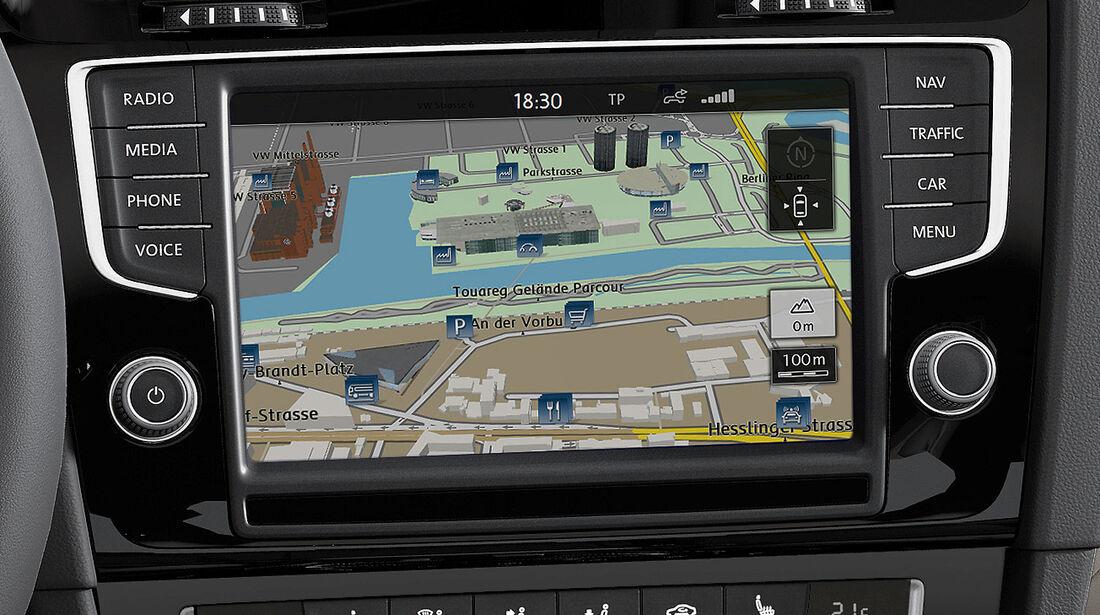 VW Golf VII, Innenraum, Navigationsmonitor