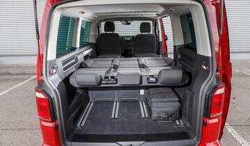 vw multivan und peugeot traveller im vergleichstest auto. Black Bedroom Furniture Sets. Home Design Ideas