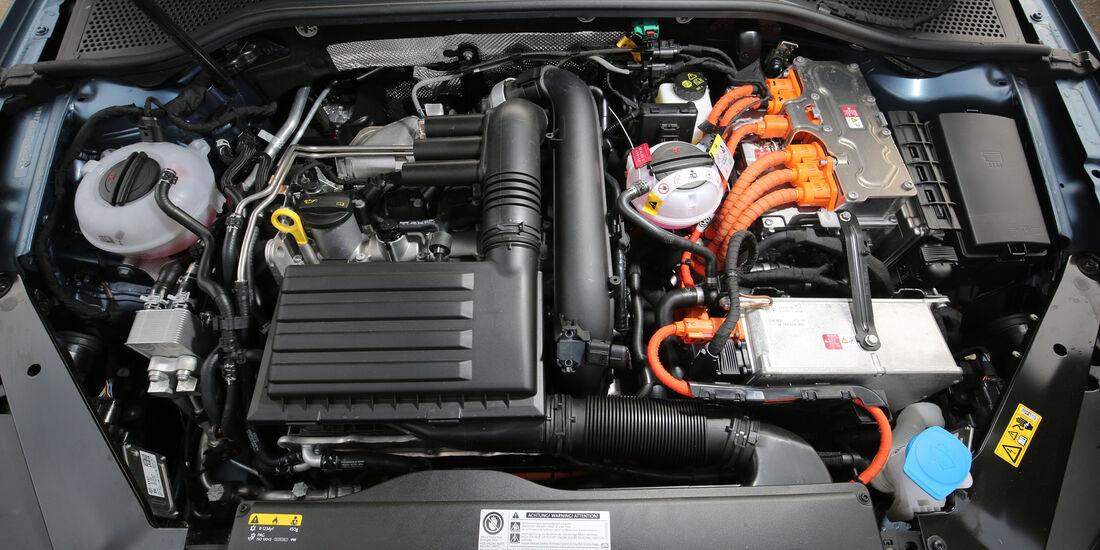 VW Passat GTE, Motor