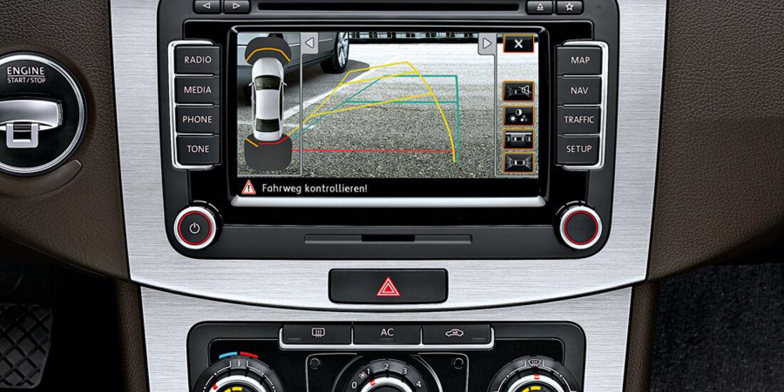 VW Passat, Multimedia
