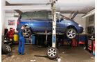 VW Sharan, Seitenansicht, Hebebühne