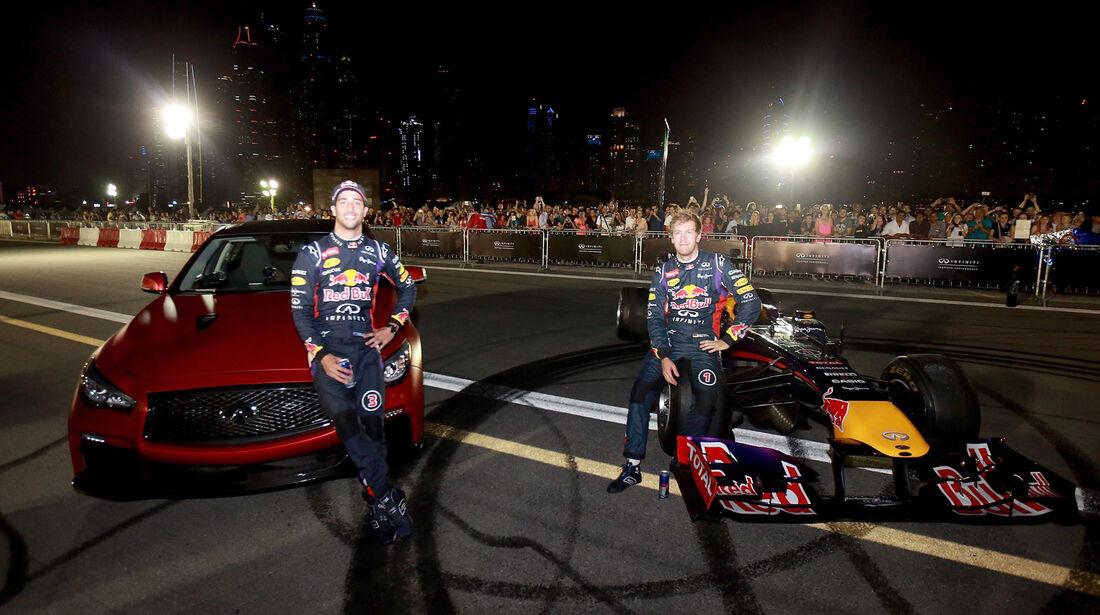 Vettel & Ricciardo - Formel 1 - Showrun - Dubai - 19. November 2014