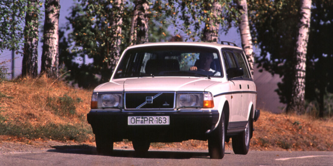 Volvo 240, Front