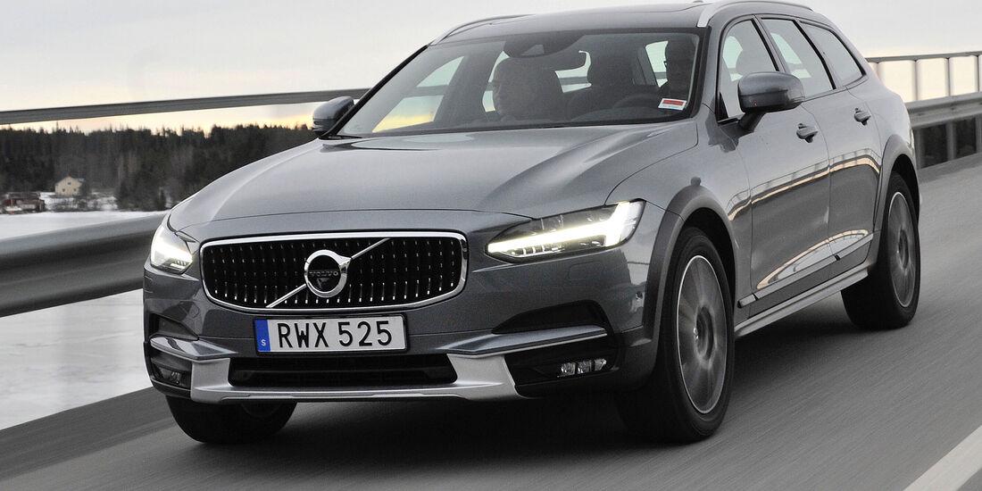Volvo V90 Cross Country (2017)