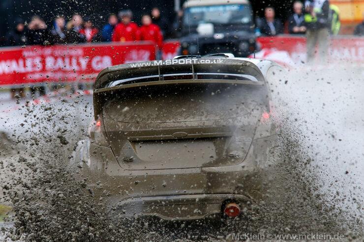 Wales Rallye Großbritannien, 1. Etappe: Ogier, Latvala und die große Schlammschlacht