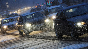 Winter, Schnee Chaos, Straßenverkehr