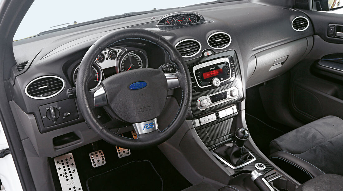 Wolf-Ford Focus RS, Cockpit
