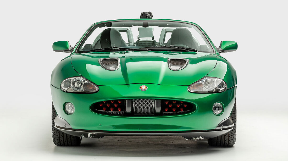 Zao's Jaguar XKR Die Another 007 Day James Bond