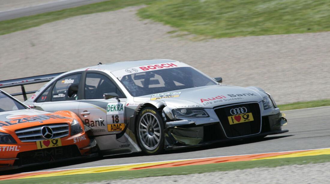 Zweikampf Miguel Molina (Audi Sport Rookie Team Abt) und Gary Paffett (Team HWA AMG Mercedes, AMG Mercedes C-Klasse) - DTM Valencia 2010