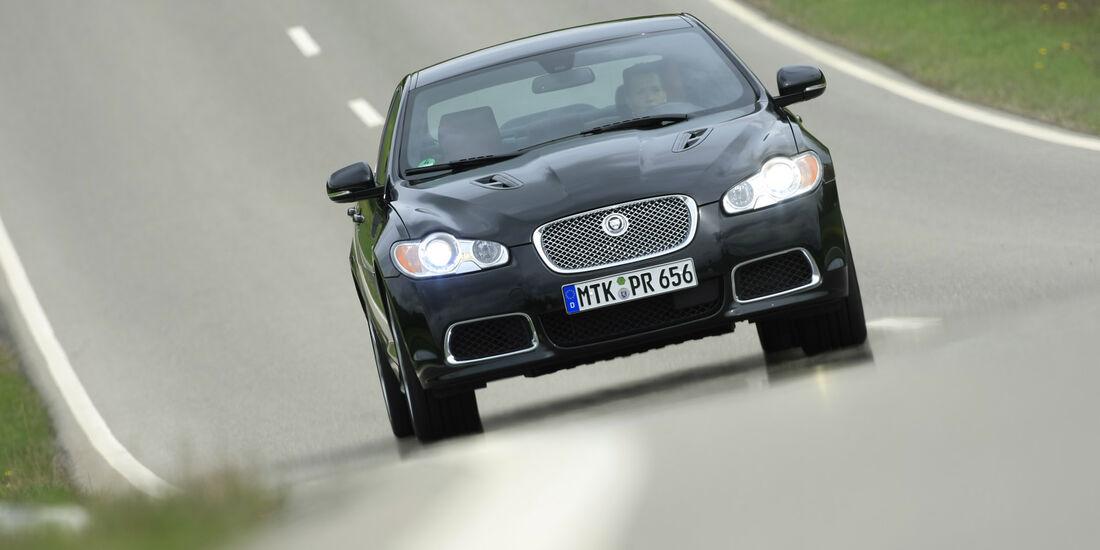 sport auto-Exotendeals bis 45.000 Euro, Gebrauchtwagen-Spezial, 04/2016, Jaguar XF-R